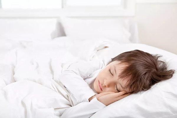 想让孩子长得高?注意睡觉的方式方法